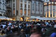 ruch na Staroměstském náměstí