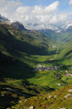 pohled do údolí Hospental směrem k Oberalppassu
