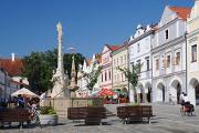 náměstí v Třeboni s kašnou a morovým sloupem