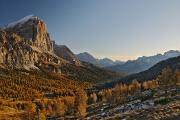 Tofana de Rozes a údolí Ampezzo