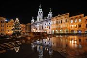 vánoční strom a budova radnice II