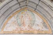tympanon portálu kostela sv. Víta - Panna Marie Assumpta