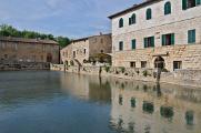 piscina s pramenem v lázních Bagno Vignoni