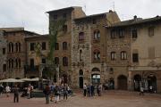 náměstí Piazza dela Cisterna v San Gimignanu