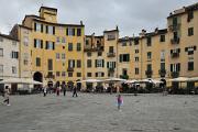 Lucca - náměstí Piazza dell'Anfiteatro