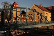 Eiserne Jungfrau über Eisenbrücke