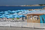 Nice - pláž s letištěm