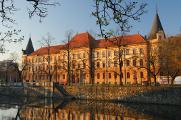 budova Okresního a Krajského soudu nad řekou Malší