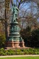 pomník Adalberta Lanny v městském parku