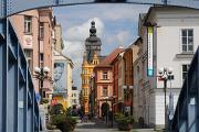 Divadelní ulice s Černou věží