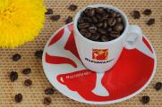 šálek na espresso Hausbrandt a chryzantéma II
