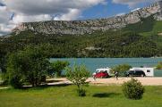 na břehu Lac de Ste-Croix