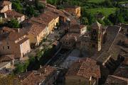střechy domů v Moustiers-Sainte-Marie I