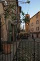 ulička v Moustiers-Sainte-Marie