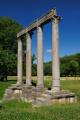 Riez - římské sloupy na břehu Colostre