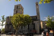 Forcalquier - Place de Bourguet a kostel Notre-Dame