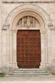 Ascoli Piceno - portál kostela Santi Anastasio