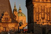 Malostranské mostecké věže a chrám sv. Mikuláše