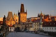 Malostranské mostecké věže a Pražský hrad z Karlova mostu II