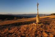 kamenný křížek na Zhůří