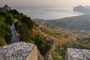 Erice - výhled na Golfo di Bonagia a Monte Cofano