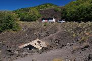 Etna - dům zalitý lávou