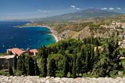Taormina - Teatro Greco - výhled na Etnu