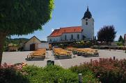 náves s kostelem v Harmanschlagu