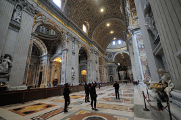 Basilica di San Pietro - interiér I