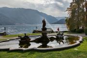 Tremezzo - městský park s kašnou I