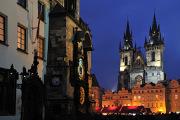 Praha,Staroměstský orloj a Týnský chrám